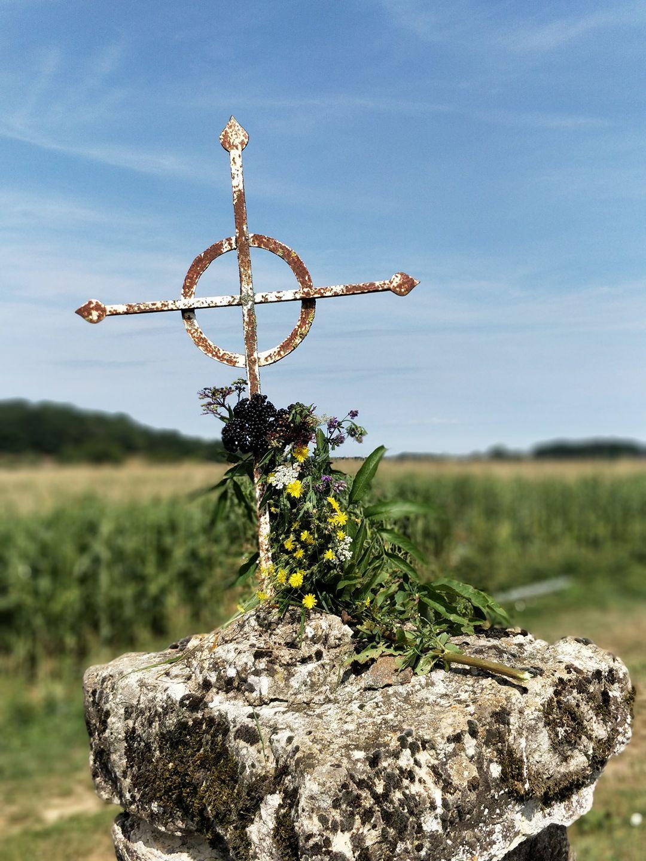 L'Operation «Fleurir nos Croix» dans le magazine des SUF