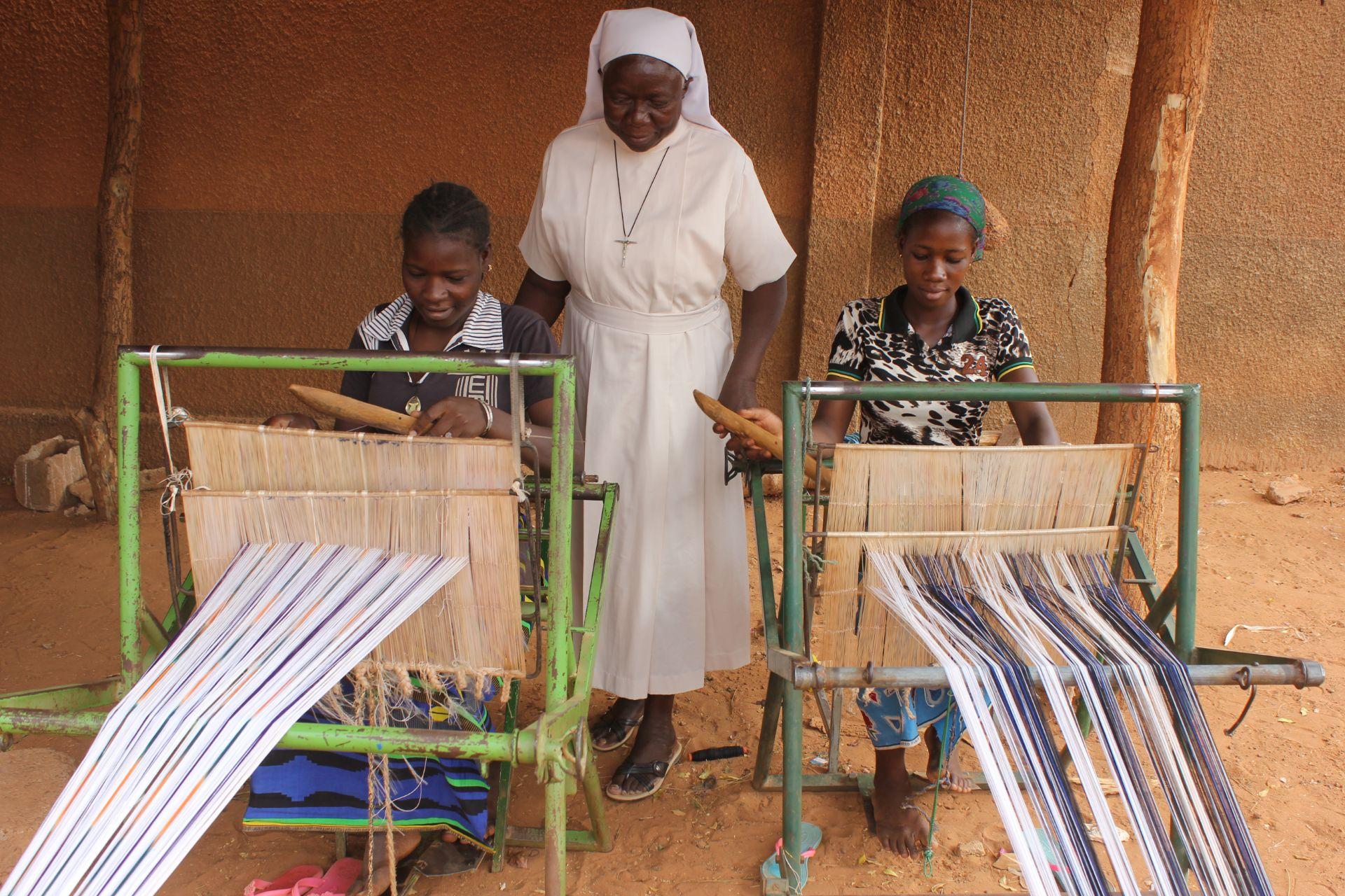 Aidez au développement d'un atelier de tissage au Burkina Faso
