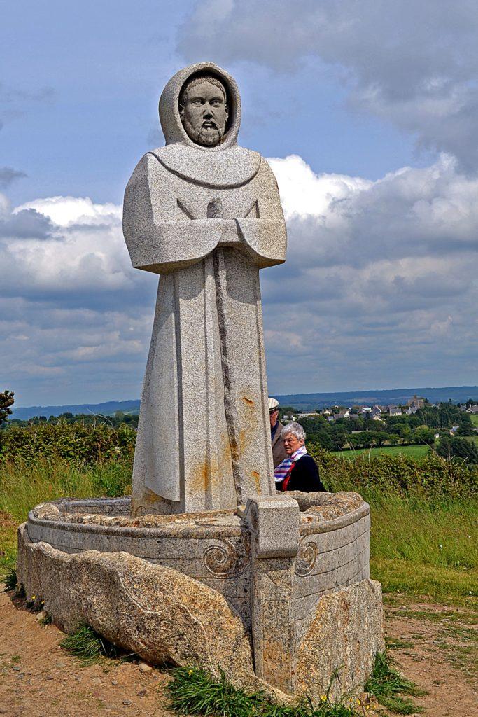 Statue vallée des Saints
