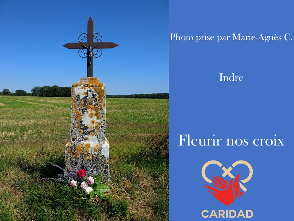 Photo de calvaire fleuri Indre