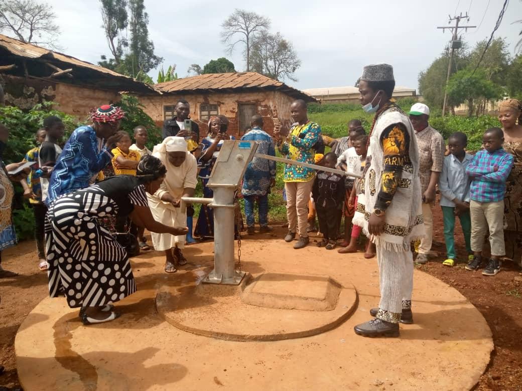 Cameroun : inauguration du puits à Babeté
